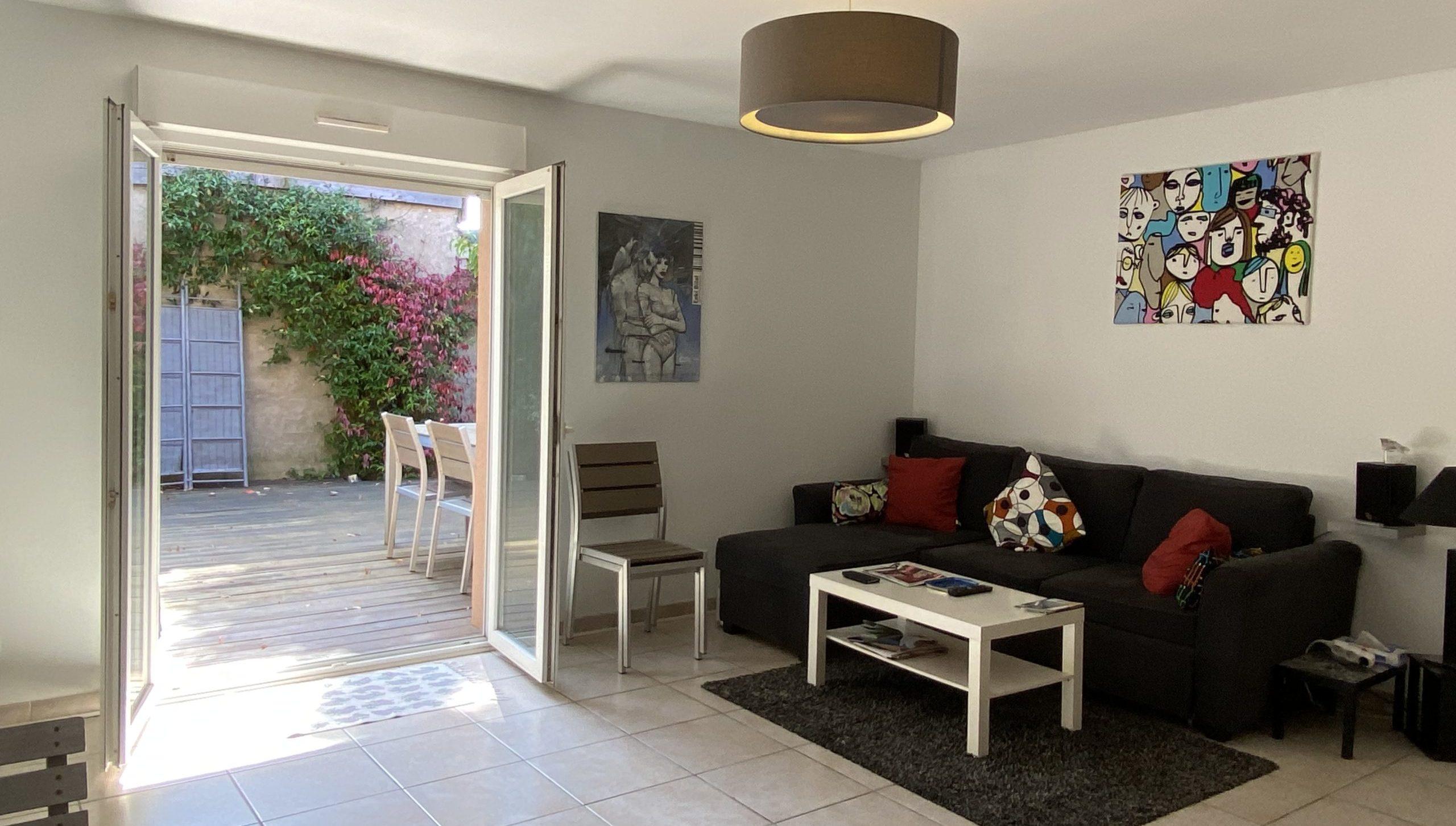 Exclusivité – Apt T3 avec jardin, parking et box